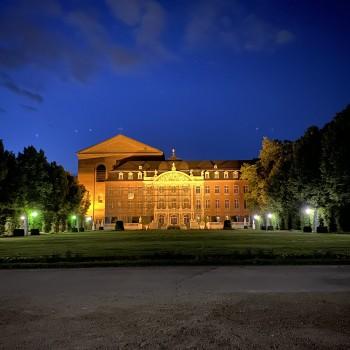 Kurfürstliches Palais & Konstantin-Basilika bei Nacht