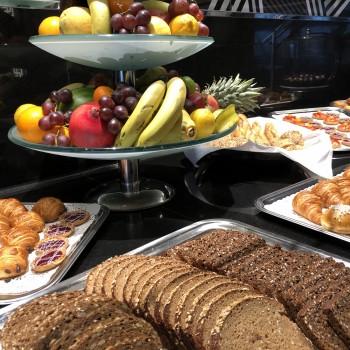 Frühstück im MSC Yacht Club