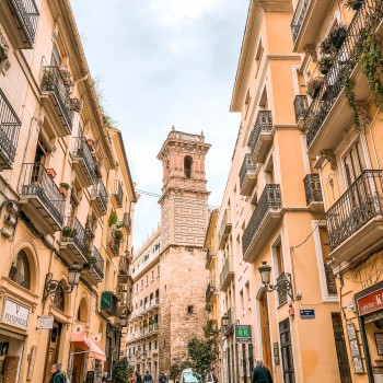 Durch die Altstadt von Valencia