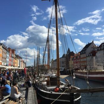 Bunter Kanal im Herzen von Kopenhagen