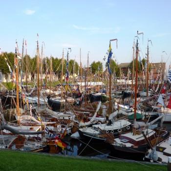 Typischer Hafen in Ostfriesland