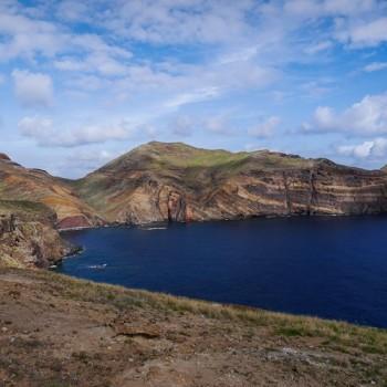 Die Ponta de São Lourenço  ~ Sankt-Lorenz-Spitze, ist ein Kap und Naturschutzgebiet