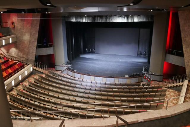 Theater auf der Mein Schiff 1