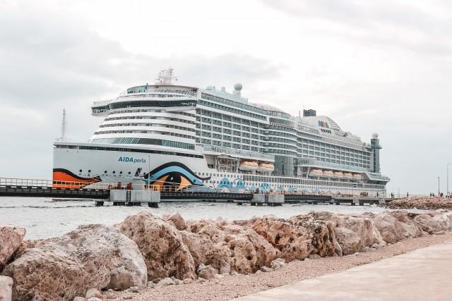 AIDAperla in Curacao