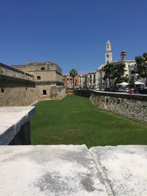 """Die Burganlage """"Castello Svevo"""""""