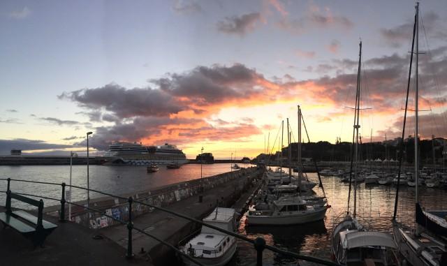 Sunset im Hafen von Funchal