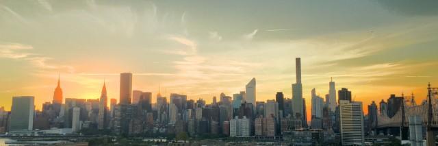 Blick auf die Skyline von New York tagsüber