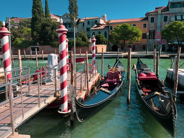 Einmal im Leben per Gondel durch Venedig fahren...