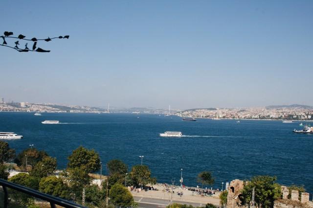 Blick auf die Galata-Brücke