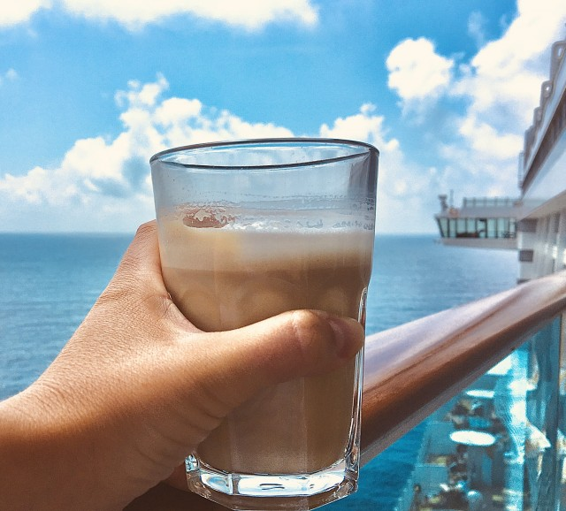 Kaffee mit Meerblick