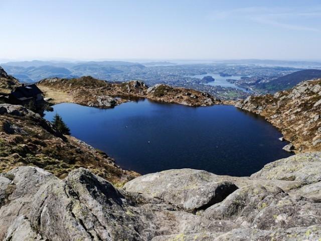 Herrliche Aussichten aus 643m Höhe