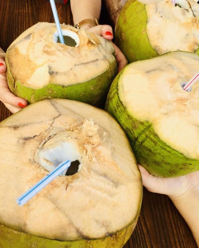 4 Kokosnüsse, bitte!