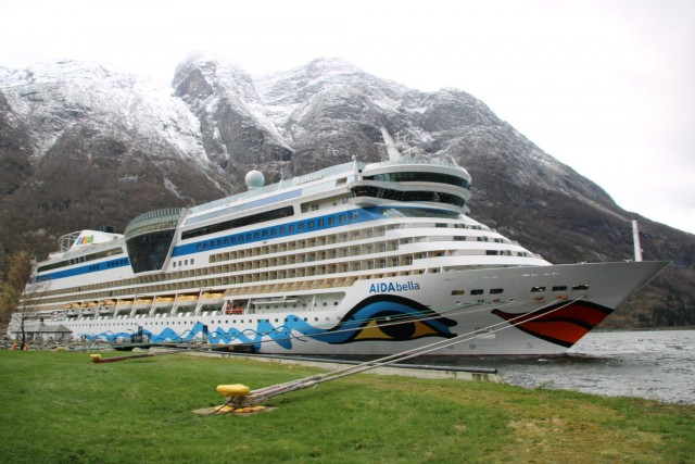Mit der AIDAbella in Eidfjord