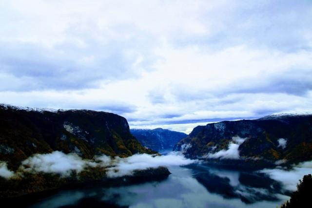 Ausblick vom Stegastein Viewpoint auf den Aurlandsfjord