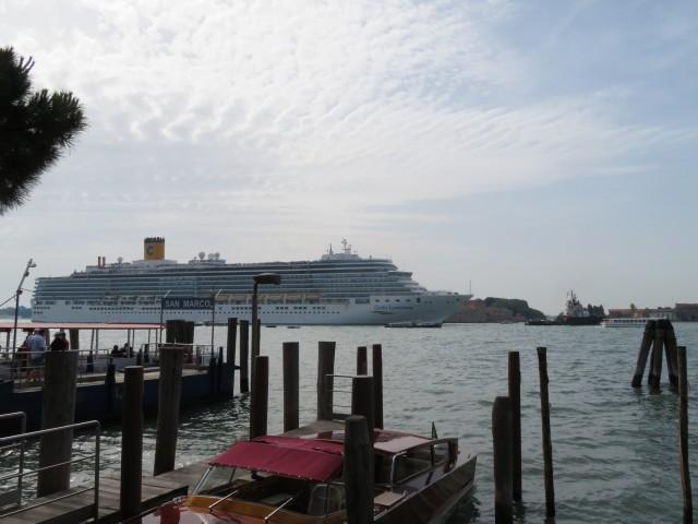 Costa Luminosa in Venedig