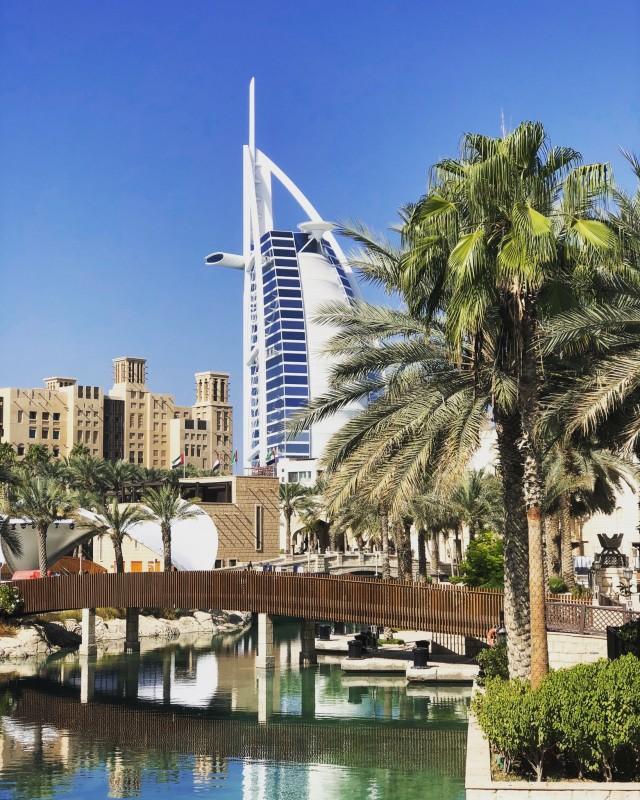 Aussicht auf das Burj al Arab vom Souk Madinat Jumeirah