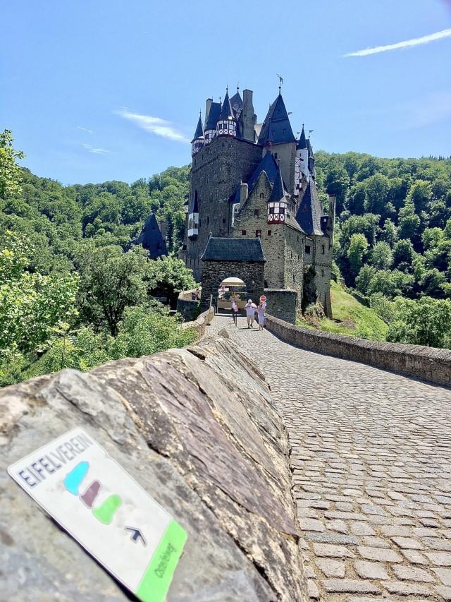 Wanderwege um die Burg Eltz
