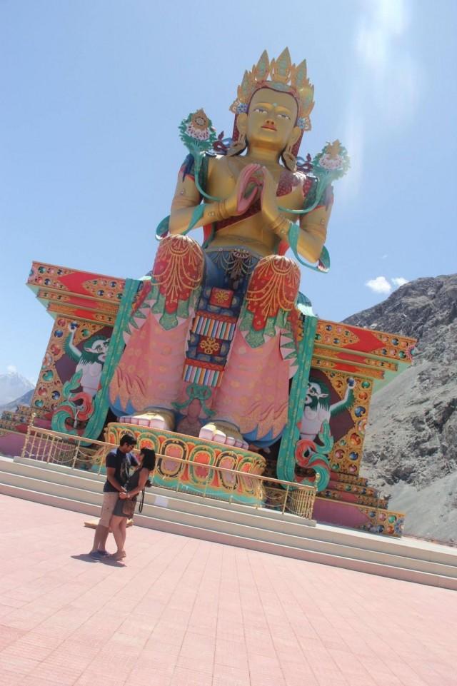 Was für eine riesige Statue!