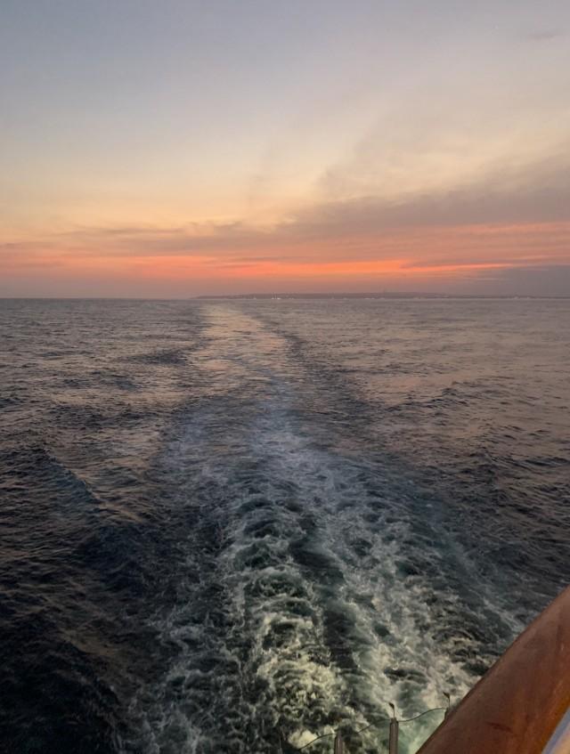 Blick auf die Heckwelle bei Sonnenuntergang... ????