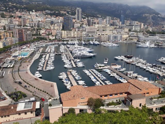 Blick auf den Hafen und die Formel 1-Strecke