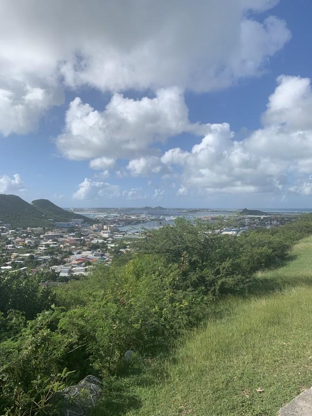 Wunderschöne Aussicht über die Insel