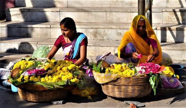 Blumenverkäuferinnen in Udaipur / Rajasthan