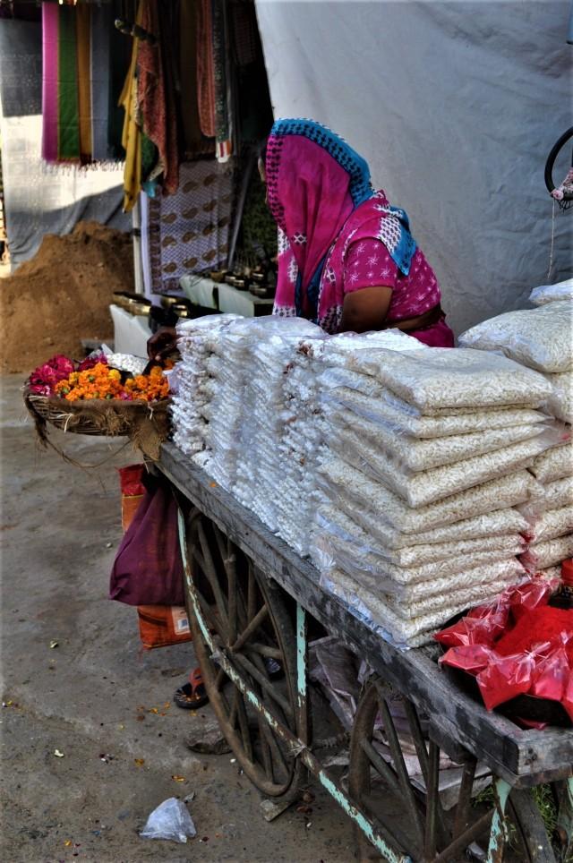 Verkäuferin in Puschkar / Rajasthan