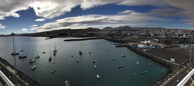 Blick auf Fuerteventura & in den Hafen von Puerto del Rosario