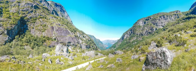 Blick aus den Bergen auf den Eidfjord