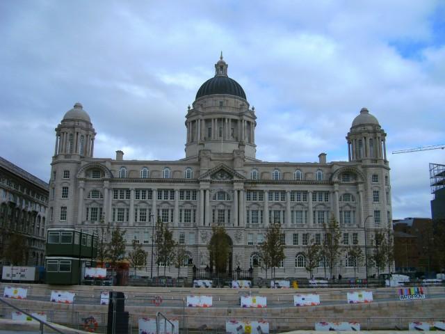 """Eine von drei """"Grazien"""": Das Port of Liverpool Building"""