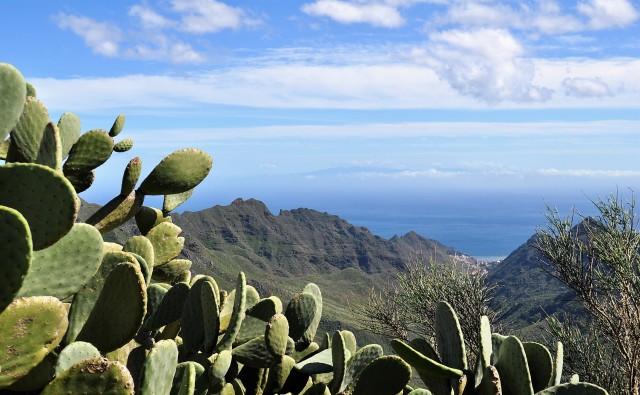 Blick auf das Anaga-Gebirge auf Teneriffa