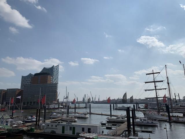 Hamburger Hafen + Elbphilharmonie