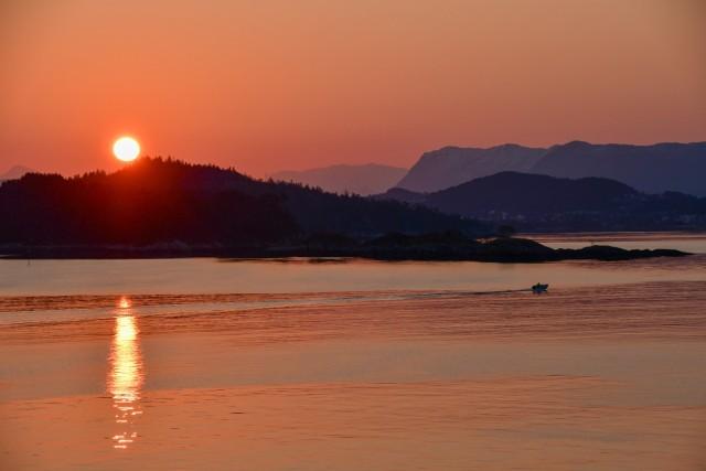 Sonnenaufgang zur Ankunft in Alesund