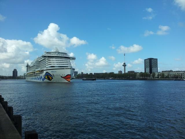 Erstanlauf von AIDAprima in Rotterdam