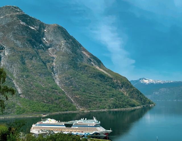 AIDAsol liegt im Eidfjord
