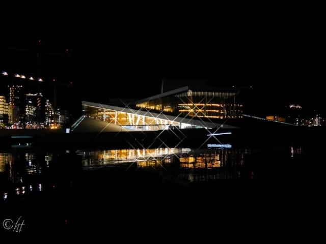 Oper bei Nacht