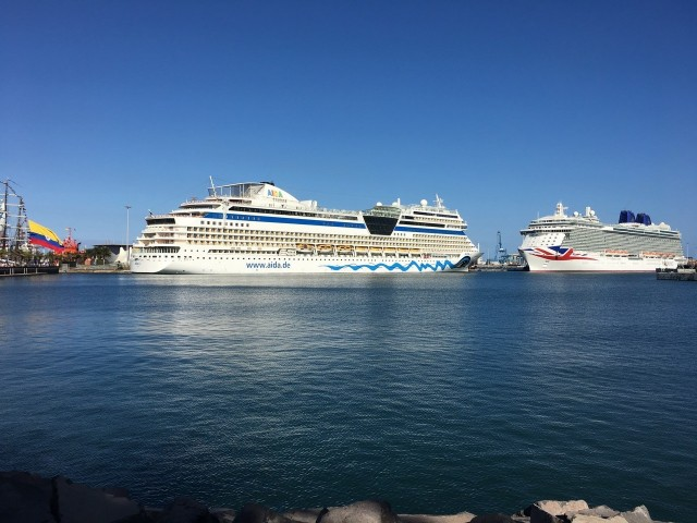 AIDAsol im Hafen von Las Palmas