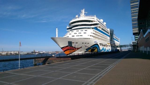 AIDAmar im Hafen von Amsterdam