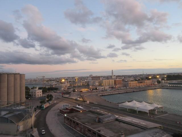 Auf Wiedersehen, Bari