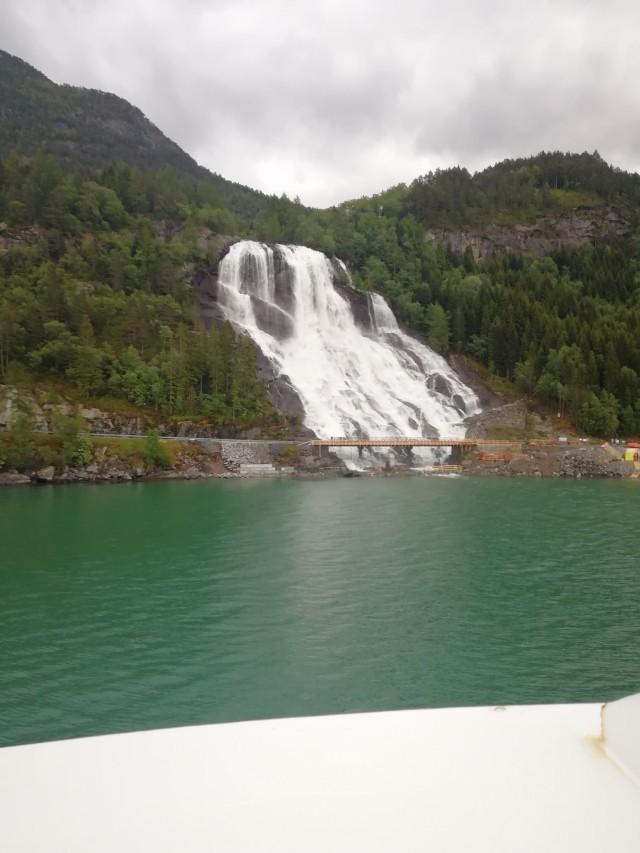 Abstecher zum Wasserfall