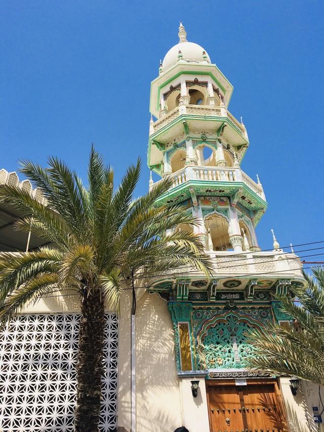 Farbenfrohe Moschee