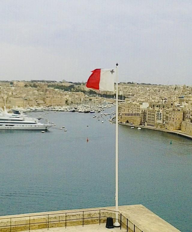 Maltesische Flagge