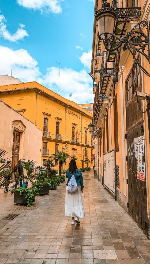 Durch die Straßen von Valencia