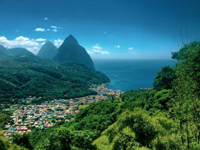 Die 2 Pitons von St. Lucia