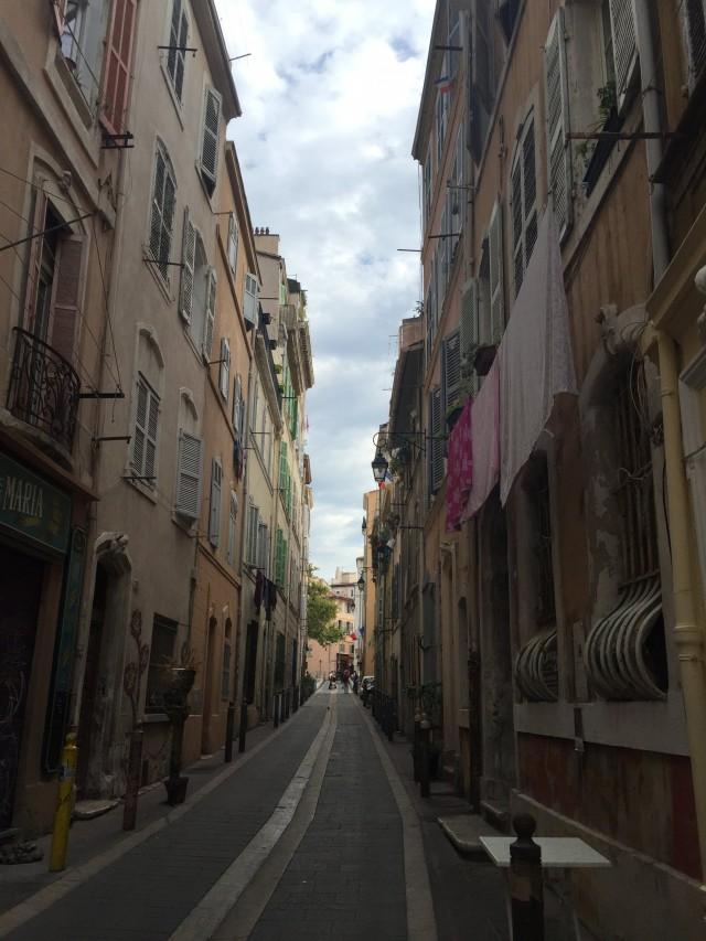 Uhrige Gasse in Marseille