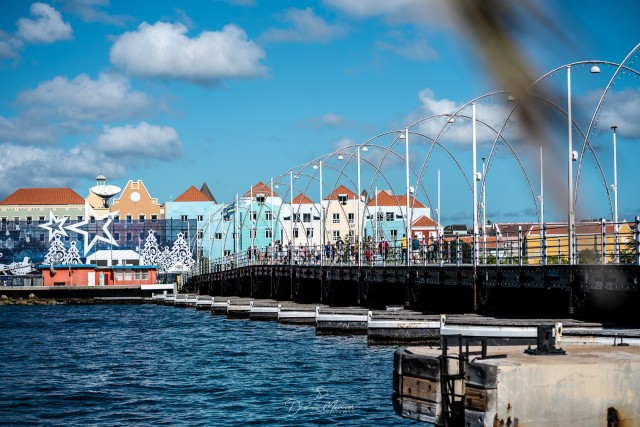 Oranjestad: Erst Stadt dann Strand