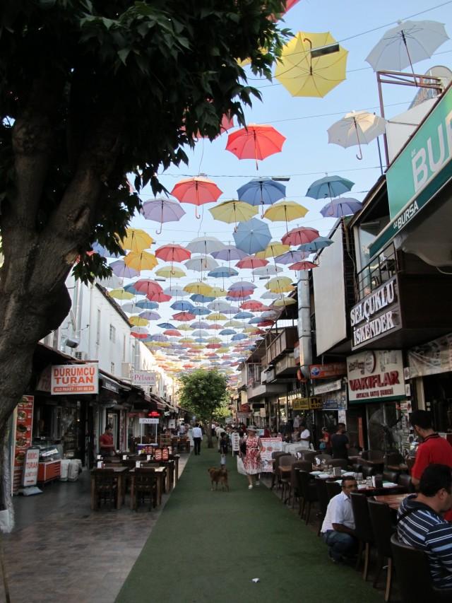 Regenschirm Straße  Antalya