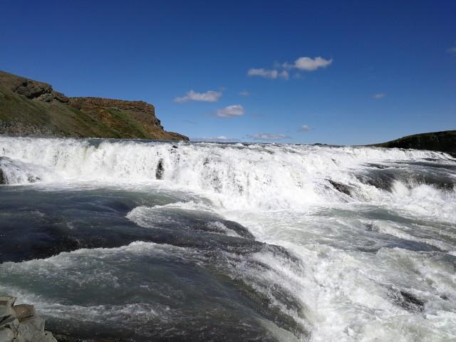 Der wahnsinnig beeindruckende Gullfoss auf Island. Eine wunderschöne Reise mit der MS 3,