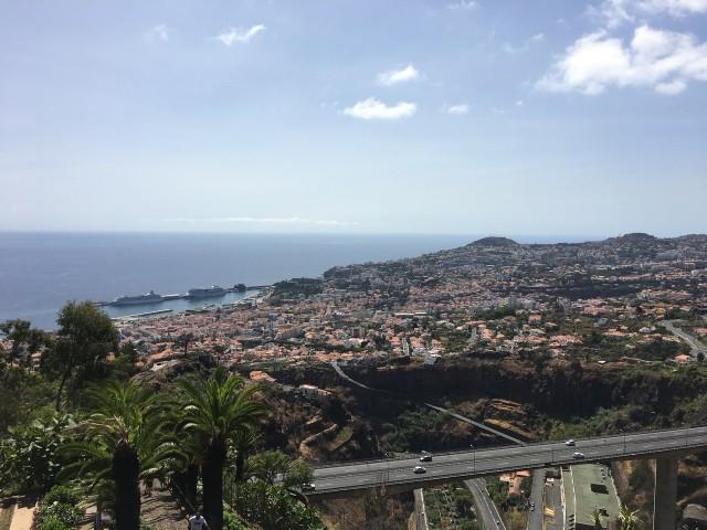 Über den Dächern von Funchal