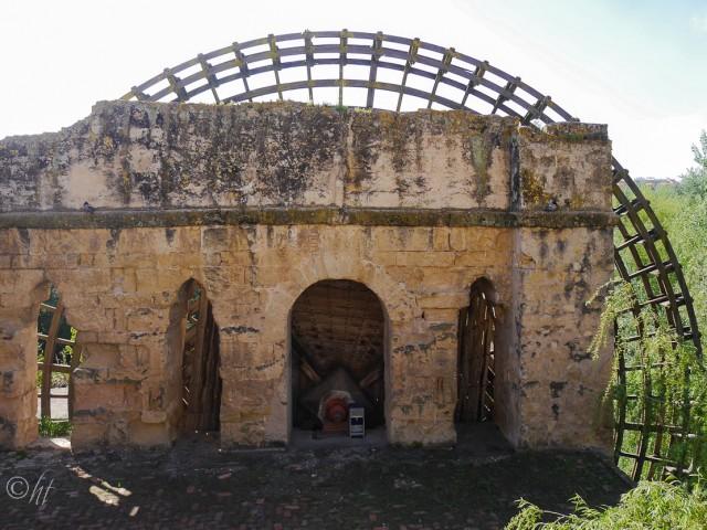 Die Albolafia Mühle steht am rechten Ufer des Guadalquivir, in der Nähe der römischen Brücke ~